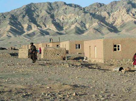Homem é castigado com 80 chicotadas por beber vinho no Afeganistão