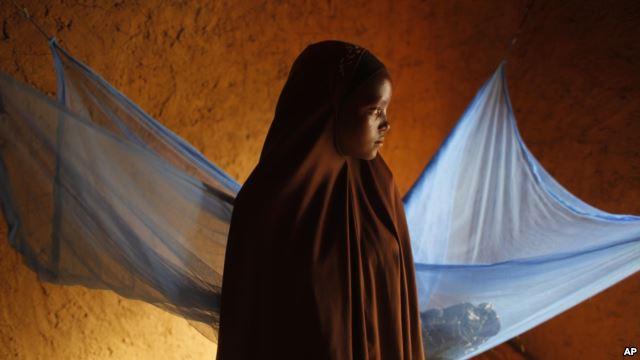 """Sociedade civil pede fim de """"casamentos infantis"""" em Moçambique"""