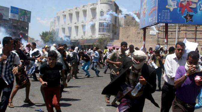Mesmo sob ataque, houthis avançam sobre território do Iêmen