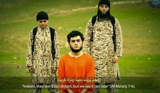 Estudantes franceses reconhecem menino que matou refém do EI