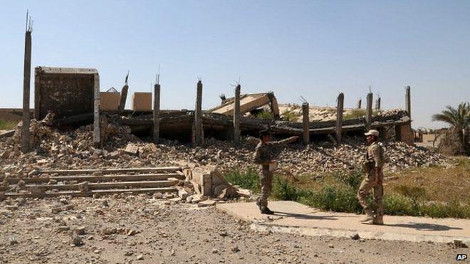 Mausoléu de Saddam Hussein é destruído nos combates entre iraquianos e Estado Islâmico