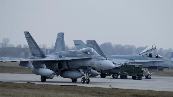 Canadá realiza primeiros ataques aéreos contra Estado Islâmico na Síria