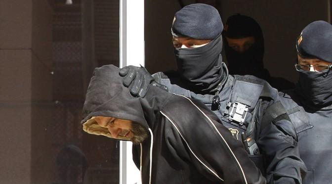 Onze pessoas são presas na Catalunha por recrutar para o Estado Islâmico e planejar ataques