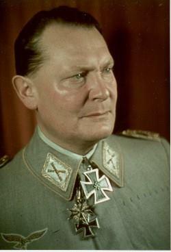 A pele do monstro – uniforme de Göring é vendido na Inglaterra