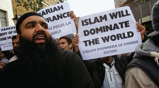 CIA diz que os muçulmanos participam do ISIS por causa da … economia