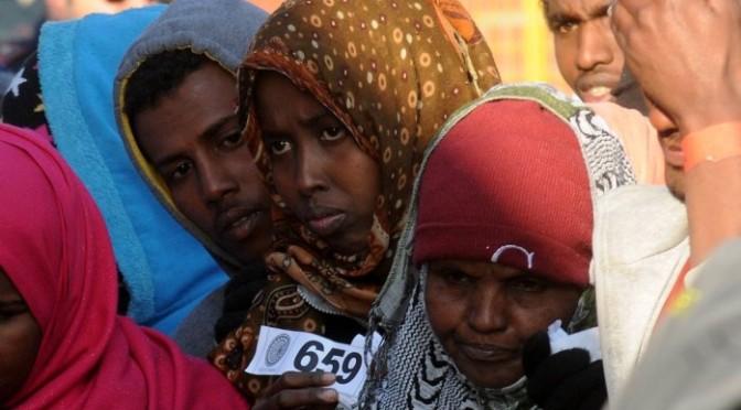 Cerca de 400 imigrantes podem ter se afogado em naufrágio no Mediterrâneo, diz ONG