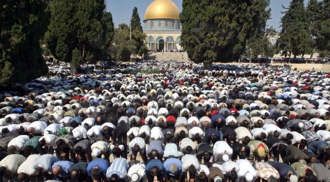 Muçulmanos serão quase mesmo número de cristãos em 2050, diz estudo