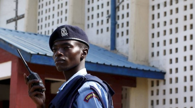 Corpos de terroristas islâmicos que mataram 148 cristãos são exibidos em carreata no Quênia