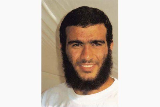 Omar Khadr, um detento de Guantánamo, libertado sob fiança no Canadá