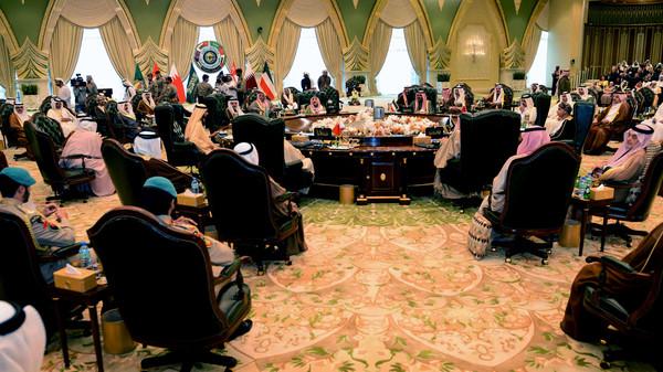 Conselho de Cooperação do Golfo  se reúne em Cúpula em Riyadh para discutir crise no Iêmen