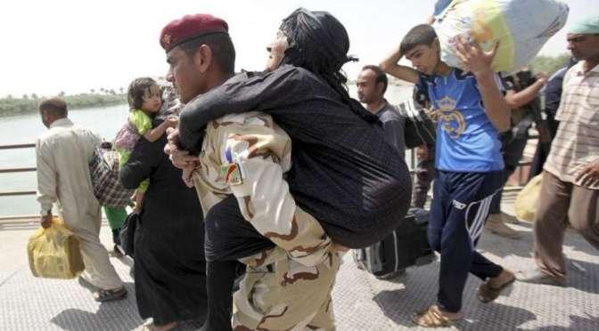 Estado Islâmico enfrenta batalha no Iraque e bombardeio na Síria