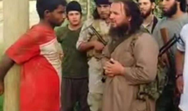 Estado Islâmico executa prisioneiro com bazuca