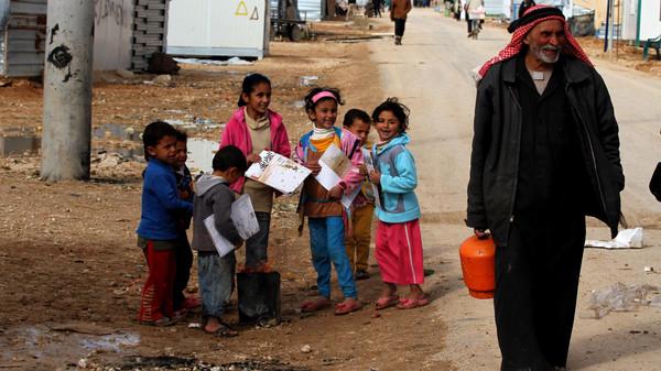 O Programa Mundial de Alimentos corta a ajuda aos refugiados sírios na Jordânia