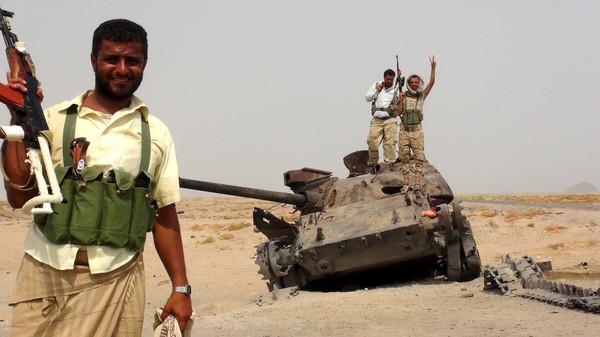 Forças Iemenitas da Resistência Popular retomam aeroporto de Aden