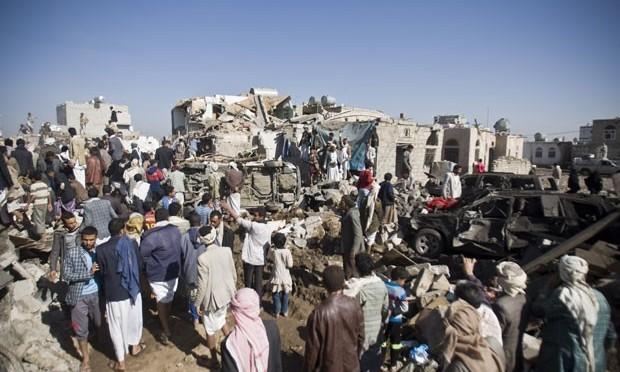 Bombardeios da coalizão árabe matam 43 civis no Iêmen