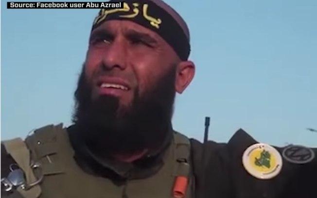 """""""Rambo Iraquiano"""" exibe vídeo no qual queima vivo e esquarteja guerrilheiro do Estado Islâmico"""