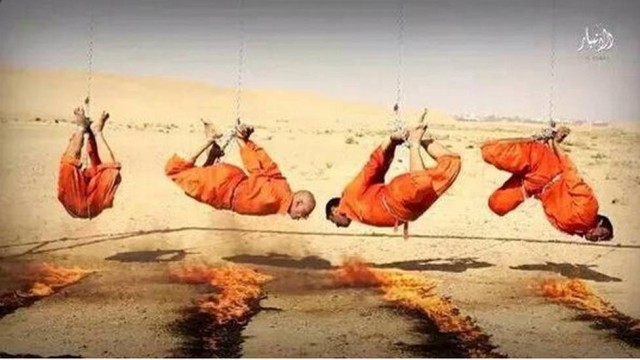 Estado Islâmico acorrenta e queima prisioneiros no Iraque