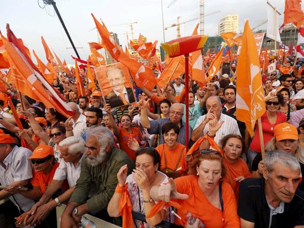 Milhares protestam em Beirute a favor de eleição presidencial