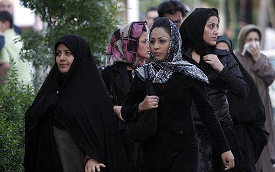 Polícia de Teerã rebocará carros de mulheres sem véu
