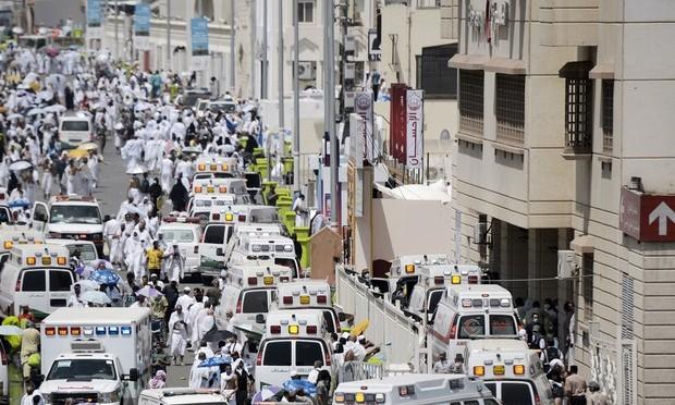 Confusão durante peregrinação a Meca mata centenas na Arábia Saudita