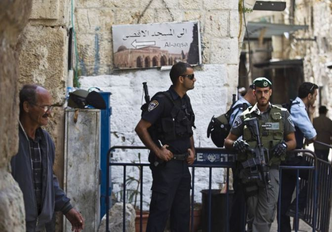 Police to limit Temple Mount entry after day of 4 terrorist stabbings across Israel