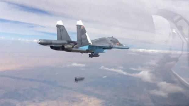 União Europeia pede que Rússia pare de bombardear rebeldes na Síria