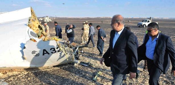 Líderes do Estado Islâmico comemoram queda de avião no Egito, diz NBC