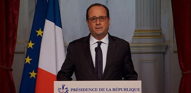 """François Hollande fecha fronteiras da França após atos """"terroristas"""""""