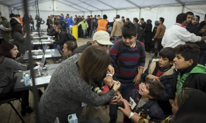 Berlim sofre para acomodar imigrantes