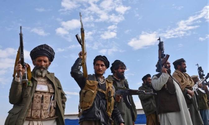 Afeganistão e Paquistão acertam retomada de diálogo com talibãs