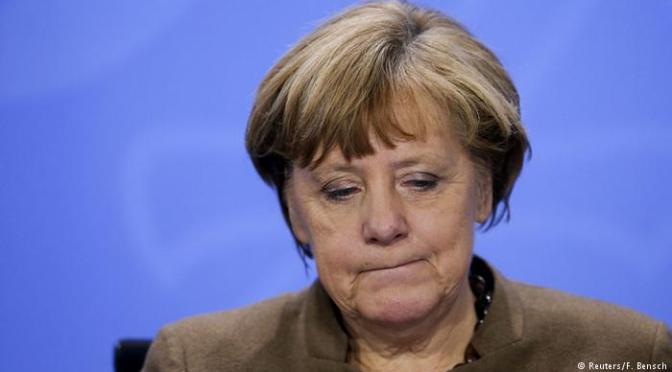Pesquisa: 40% dos alemães defendem renúncia de Merkel