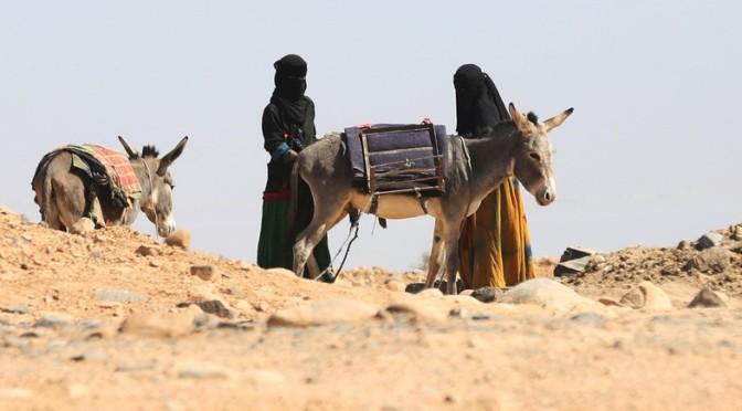 Al-Qaeda no Iêmen mata mulher por apedrejamento