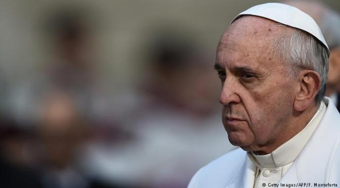 Papa pede que Europa integre refugiados