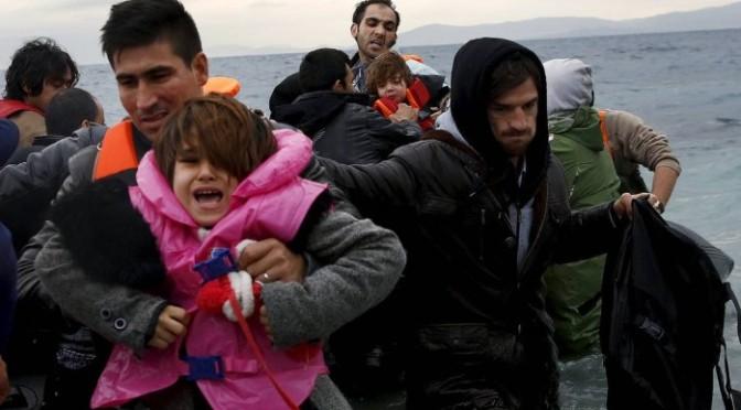 Países falharam ao lidar com crise de refugiados, diz presidente da Comissão Europeia