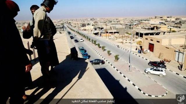 Estado Islâmico volta a atirar gays do alto de prédios no Iraque