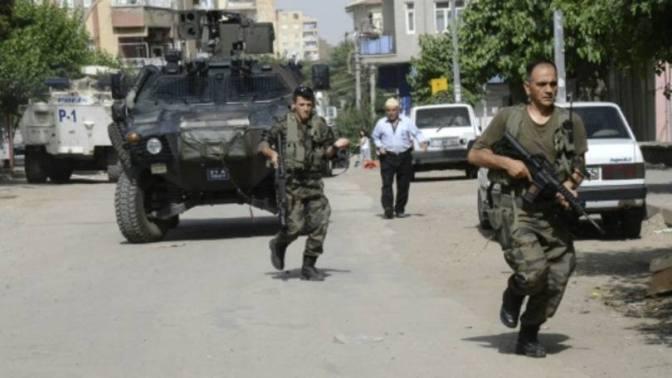 Exército turco atira em curdos durante funeral