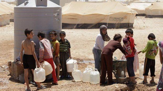 Imagens aéreas mostram campo de refugiados que abriga 40 mil crianças sírias