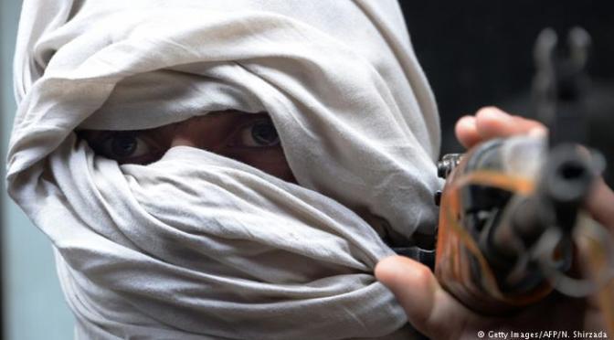 Talibã rejeita participar de conversas de paz no Afeganistão