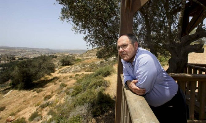 Israel volta atrás e diz que ex-líder colono continua sendo sua indicação para embaixador