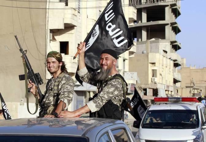 ISIS mantém últimas famílias cristãs encarceradas em casa e impede que fujam de Raqqa