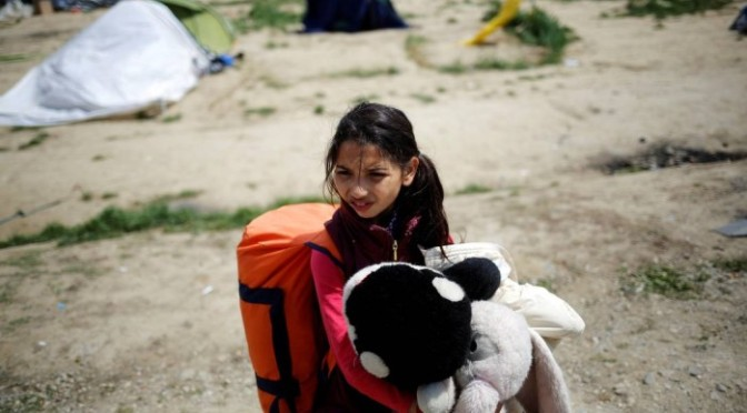 Cerca de 90 mil menores desacompanhados pediram asilo na UE em 2015