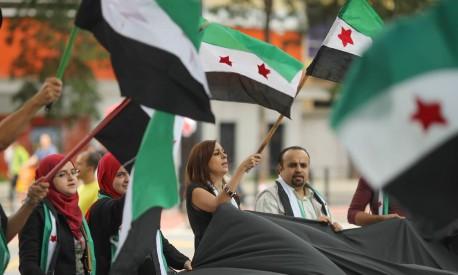 Refugiados sírios fazem protesto em São Paulo