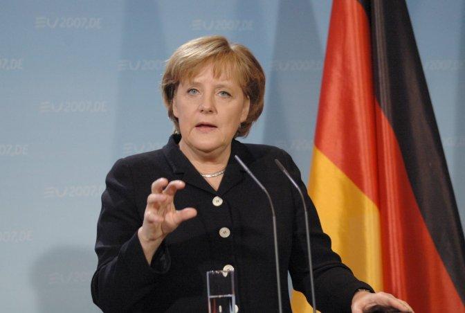 Crianças são estupradas dentro do campo de refugiados aclamado por Angela Merkel