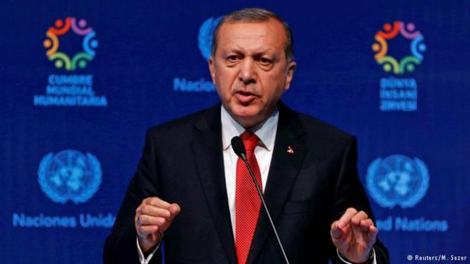 Erdogan ameaça barrar acordo com UE sobre refugiados