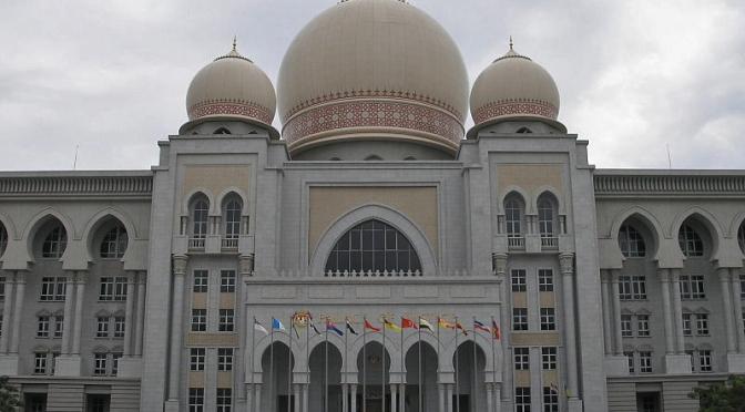 Projeto de lei visa incrementar a lei sharia no país