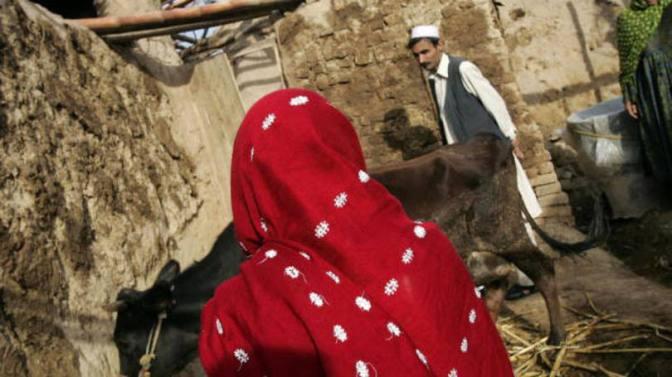 Paquistanesa rejeita pedido de casamento e é queimada viva
