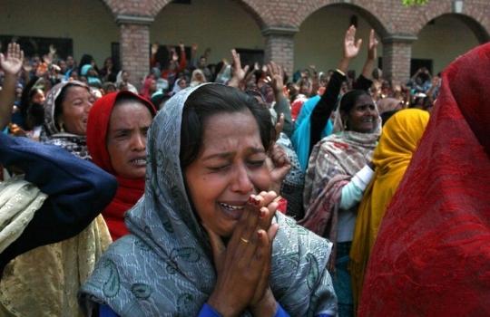Cristã é estuprada por muçulmano em frente aos cinco filhos, no Paquistão