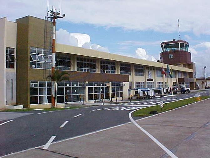 Professor universitário é preso com simulacro de bomba no Aeroporto de Navegantes