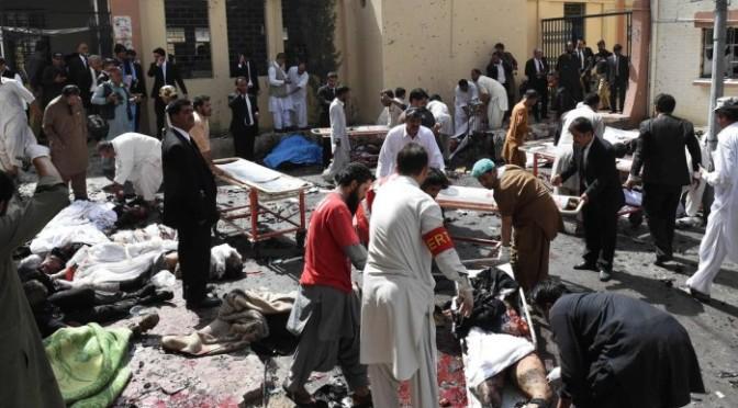Ataques a hospitais violam santuários da vida na Síria e no Paquistão