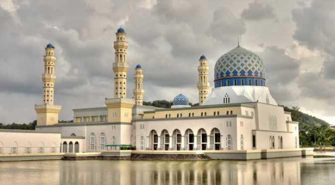 Malásia: cristãs não são contratadas por preconceito